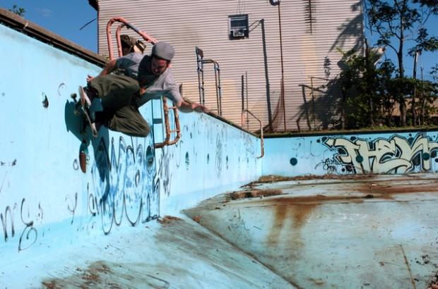 Wall Ride (Photo by Felipe Lara)